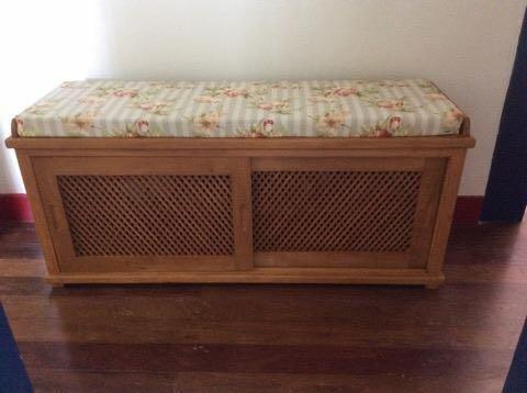 banc 48c banco armario com futon m veis r sticos s o jos. Black Bedroom Furniture Sets. Home Design Ideas